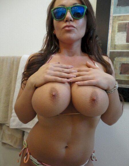 Femme cougar sexy très romantique cherche un mec charmant