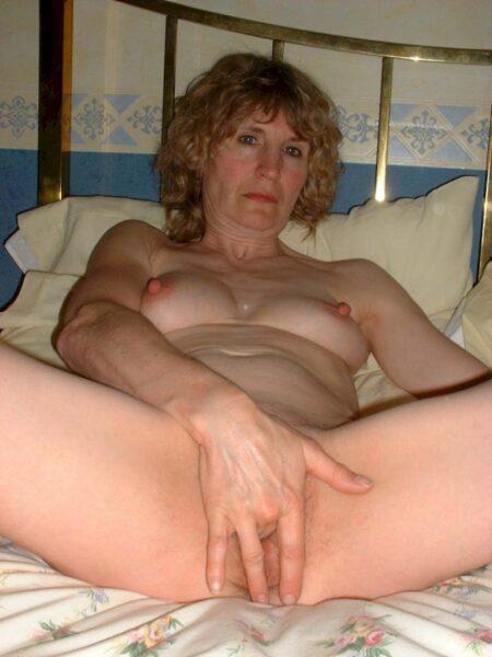 Jolie cougar coquine recherche unebonne rencontre sexy