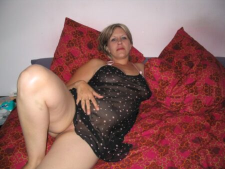 Libertine sexy réellement en manque cherche un homme débutant